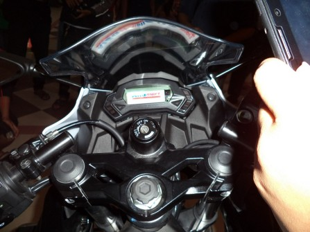 Speedometernya cilik! Segede korek api dari Alf*mart