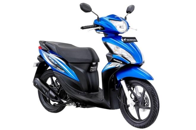 Honda-Spacy-Helm-in-PGM-FI