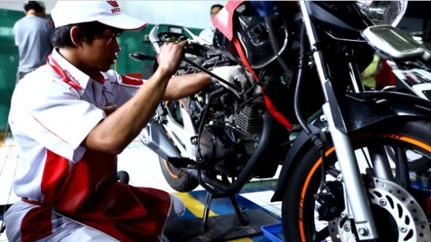 Selama dua minggu, AHASS Astra Motor memberikan diskon jasa servis 17% untuk semua konsumen sepeda motor Honda.