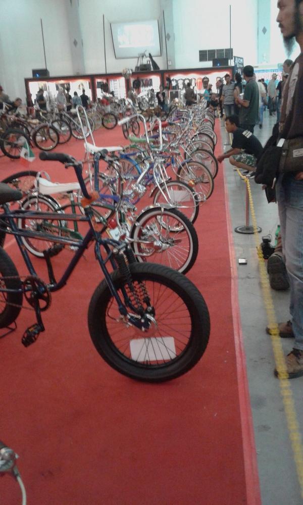 Pameran sepedanya