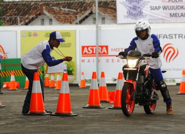 AstraMotor2 - Semua Proses Pelatihan Dibimbing Oleh Instruktur Handal Dengan Standar Tinggi Honda