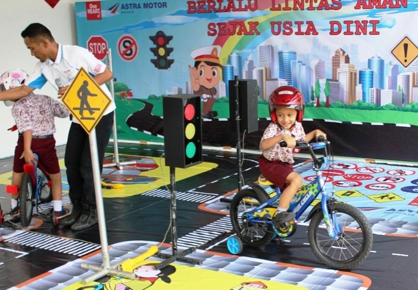 AstraMotor3 - Astra Motor Safety Riding Center Juga Mengenalkan Perilaku Mana Berkendara untuk Anak-anak usia dini