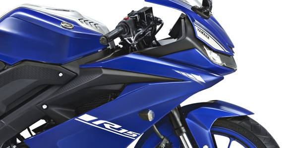 New-R15-Pics-fairing-side.jpg